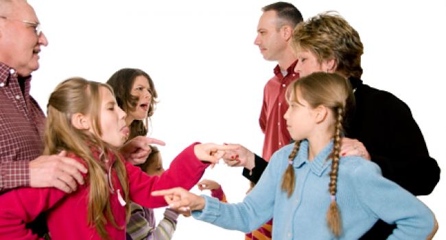 Comment empêcher les conflits familiaux de se répandre comme une traînée de poudre